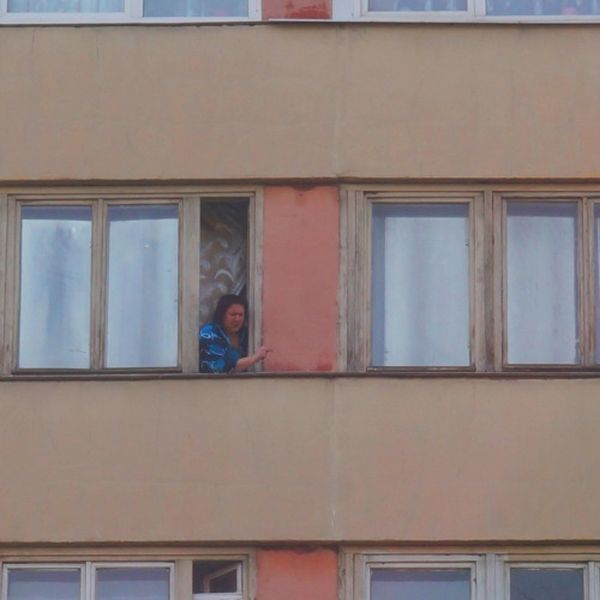 Окна и балконы российских квартир (43 фото)
