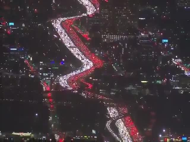 Гигантская пробка в Лос-Анджелесе