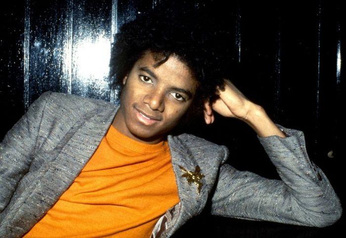 Как бы выглядел Майкл Джексон, если никогда не делал пластических операций (9 фото)