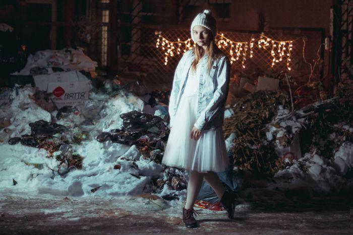 Жители Астрахани устроили флешмоб против мусора на улицах (5 фото)