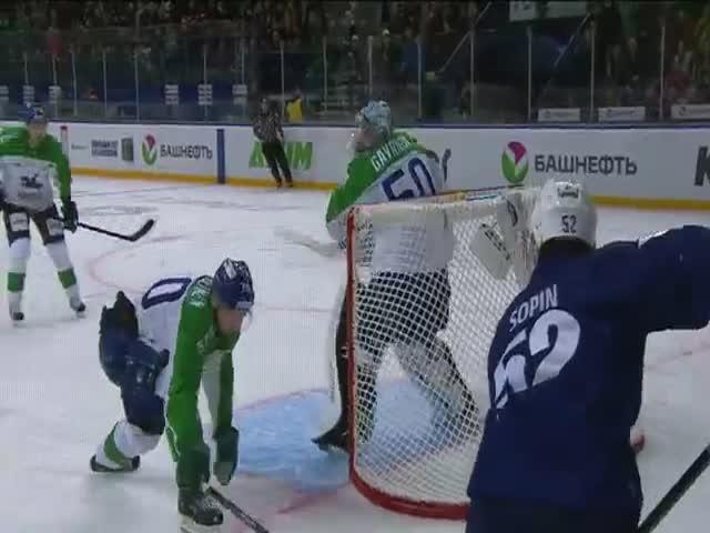 Упущенная возможность на хоккейном матче «Динамо» - «Салават Юлаев»