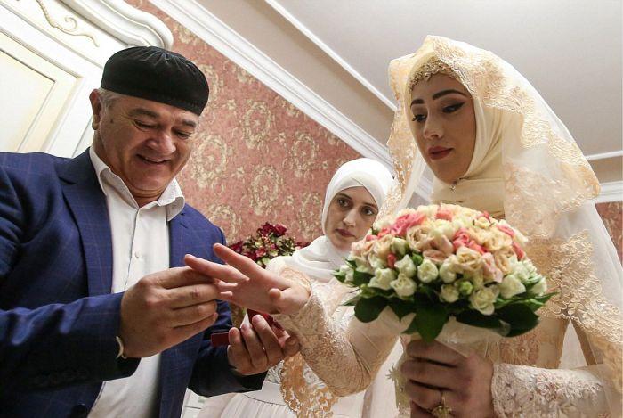 Невесту во время свадьбы в жопу пока никто не видит фото 549-993