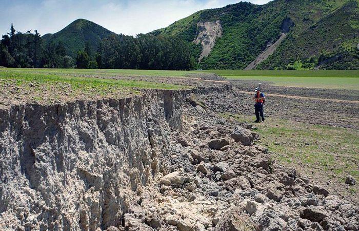 Землетрясение в Новой Зеландии раскололо остров Южный (6 фото)