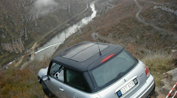 Водителю несказанно повезло (3 фото)