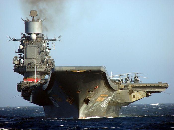 Су-33 разбился во время посадки на авианосец «Адмирал Кузнецов»