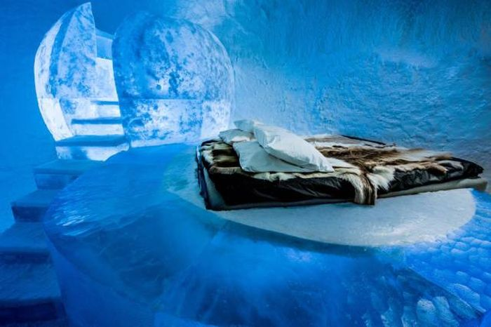 Ледяной отель в Швеции (13 фото)