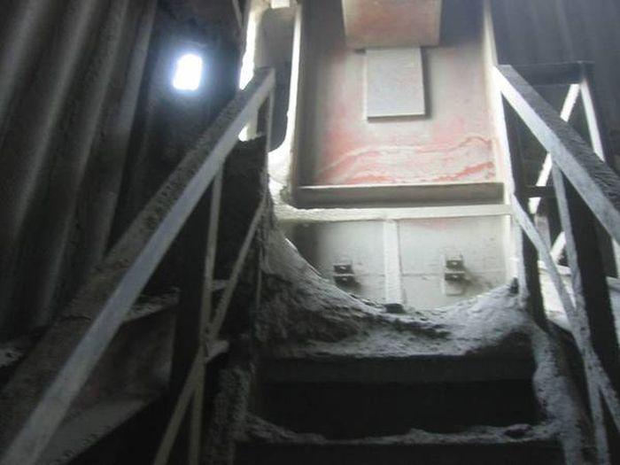 Небольшая экскурсия по цементному заводу (6 фото)