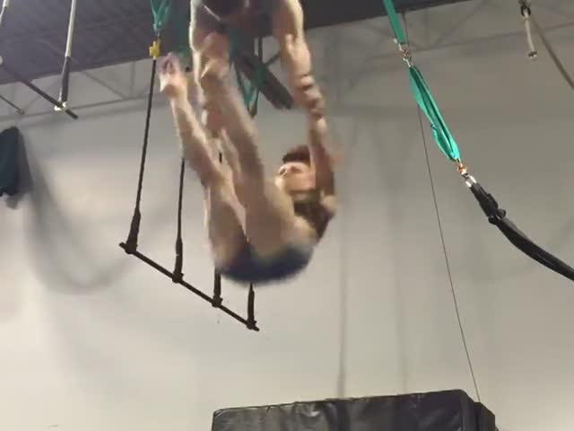 Тренировка гимнастов