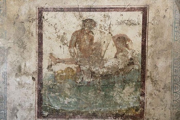 Эротические фрески на стенах борделя в Помпеи (7 фото)