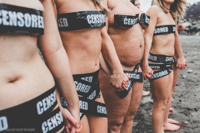 30 женщин снялись в полуобнаженной фотосессии, протестуя против цензуры в Facebook (13 фото)