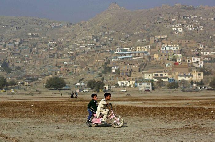 http://trinixy.ru/pics5/20161212/life_in_afghanistan_11.jpg