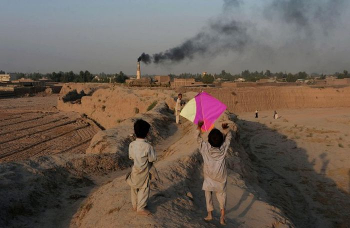 http://trinixy.ru/pics5/20161212/life_in_afghanistan_13.jpg