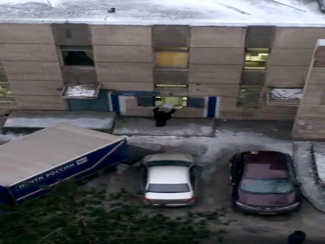 Погрузка посылок на «Почте России»