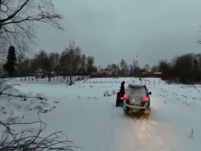 Неудачный дрифт на Toyota Land Cruiser 200