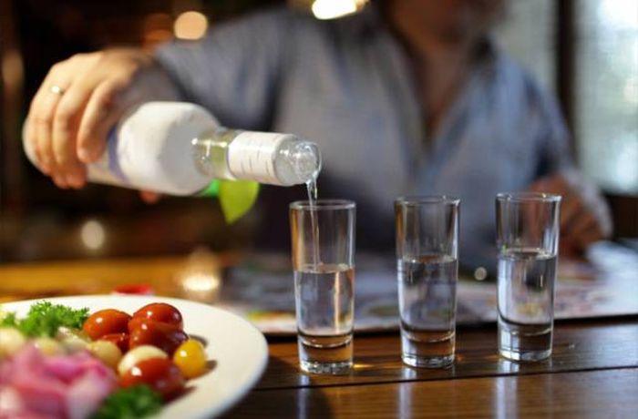 Алкогольные напитки под микроскопом (32 фото)