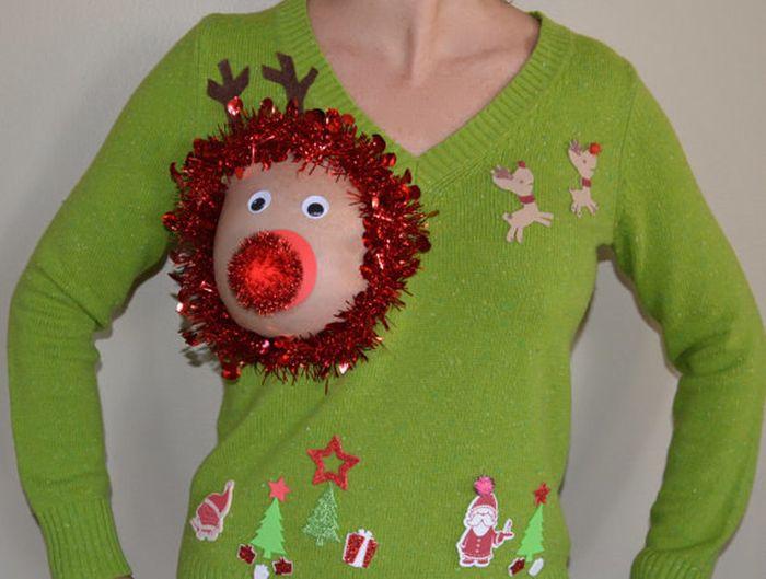 Откровенные рождественские наряды (8 фото)