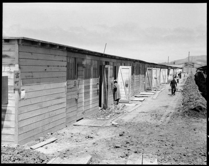 Американские концентрационные и трудовые лагеря для японцев в годы Второй мировой (20 фото)