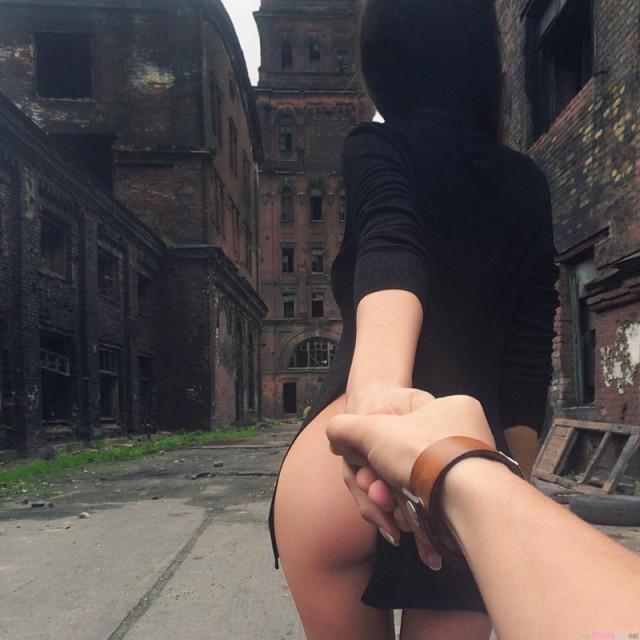Как легко уговорить парня сделать фото в стиле «Иди за мной» (5 фото)
