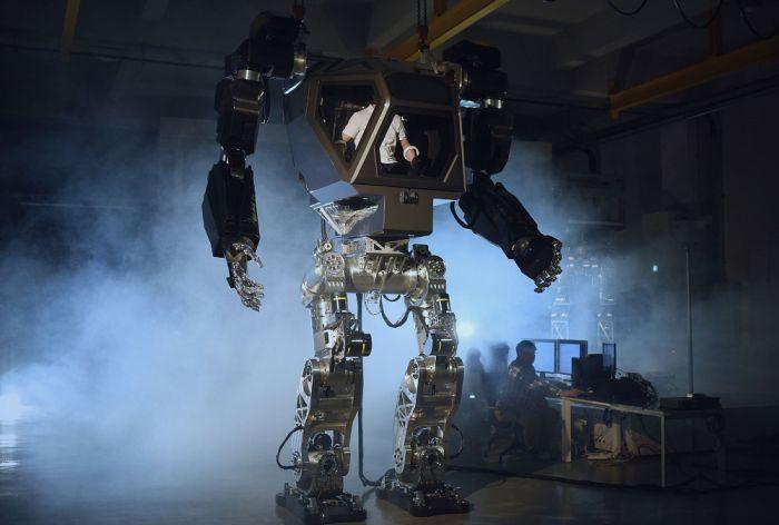 В Южной Корее создали прототип огромного робота, управляемого человеком (3 фото + 3 видео)
