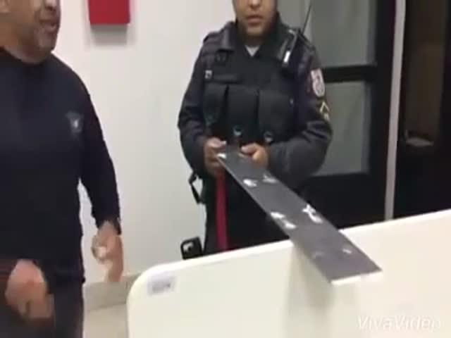 Новое приспособление для кражи денег из банкоматов