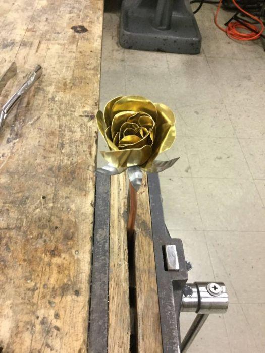 «Золотая» роза своими руками (19 фото)