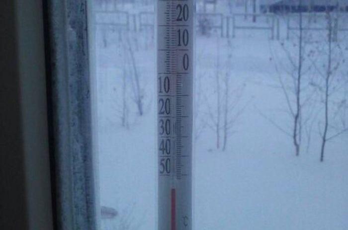 Аномально низкая температура воздуха в ХМАО (4 фото + 2 видео)