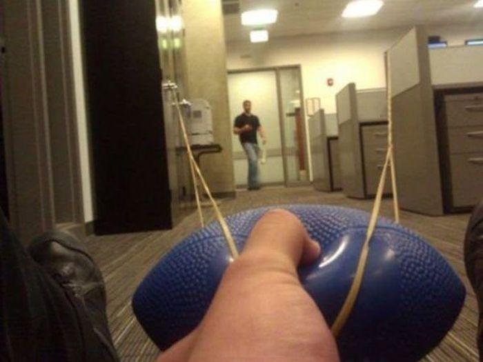 Приколы на рабочем месте (36 фото)