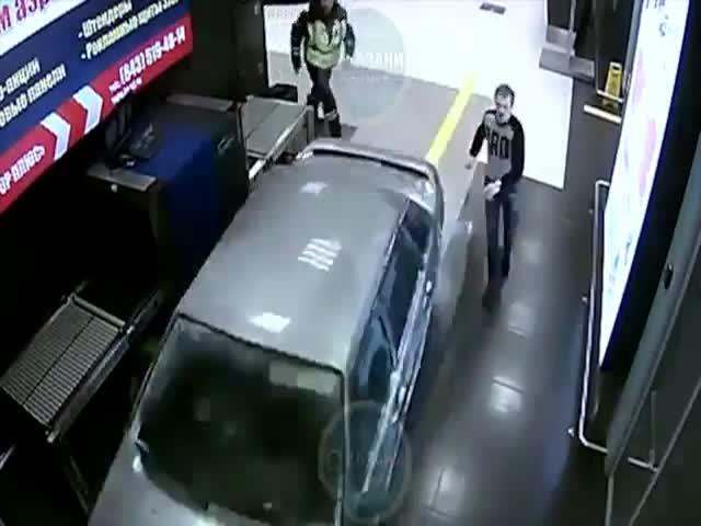 Задержание водителя в аэропорту Казани