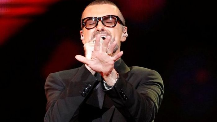 В возрасте 53 лет умер певец Джордж Майкл (2 фото)