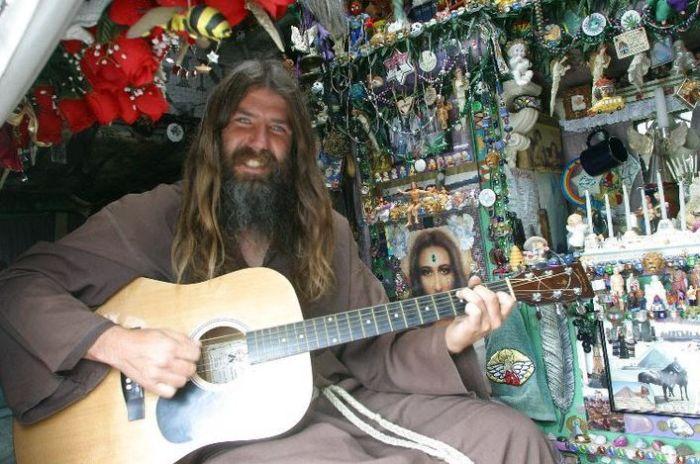 Джеймисон Годлав - человек из эпохи хиппи (7 фото)