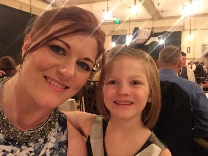 6-летняя девочка взломала смартфон мамы (4 фото)