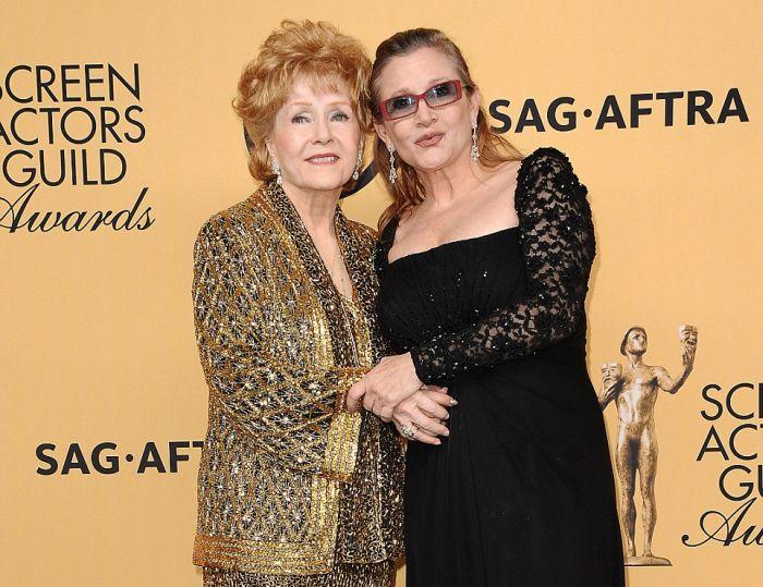 Мать Керри Фишер, актриса Дебби Рейнольдс, умерла в Лос-Анджелесе (2 фото)