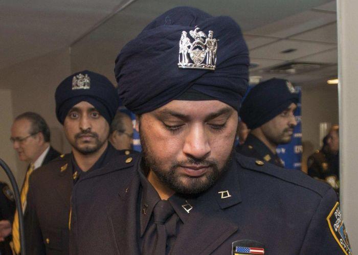 Полицейским Нью-Йорка разрешили носить тюрбан и бороду (5 фото)