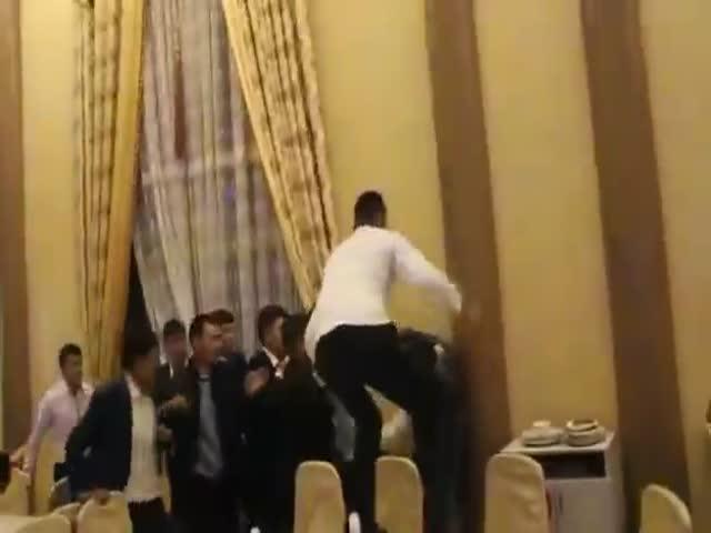 Драка на казахской свадьбе