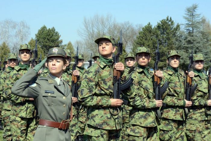Девушки-военнослужащие сербской армии (34 фото)