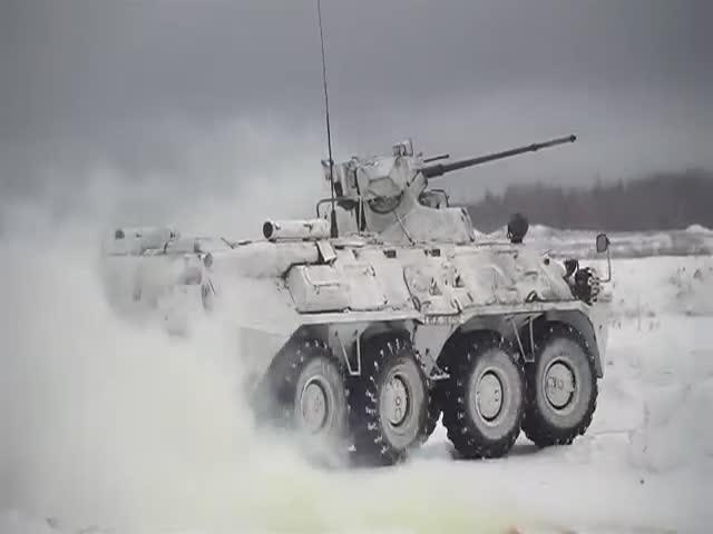 Боевые российские роботы «Соратник» и «Нерехта»