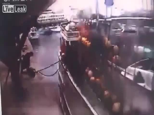 Взрыв газового баллона на судне