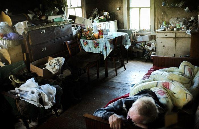 Жизнь в полузаброшенных деревнях Московской области (17 фото)