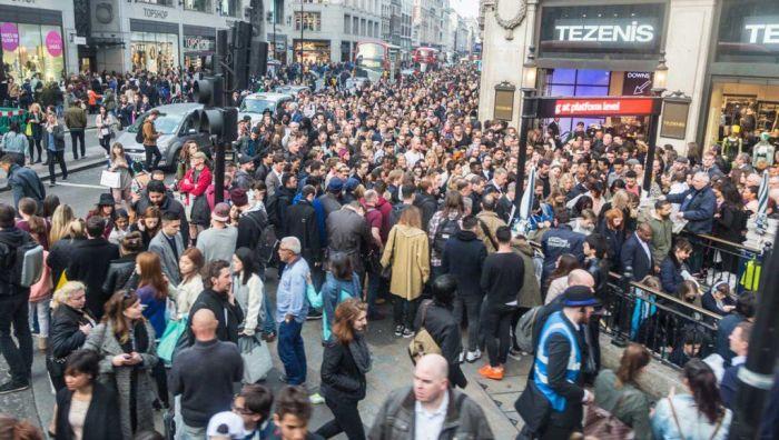 Забастовка сотрудников лондонского метро привела к транспортному коллапсу (11 фото)