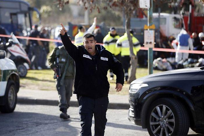 В Иерусалиме грузовик въехал в колонну военнослужащих (9 фото + видео)