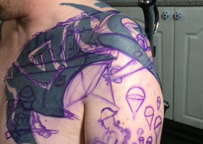 Новая татуировка поверх старой (8 фото)
