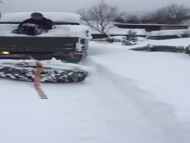 Необычный способ «чистки» снега