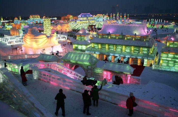 Фестиваль снега и льда в Харбине (10 фото)