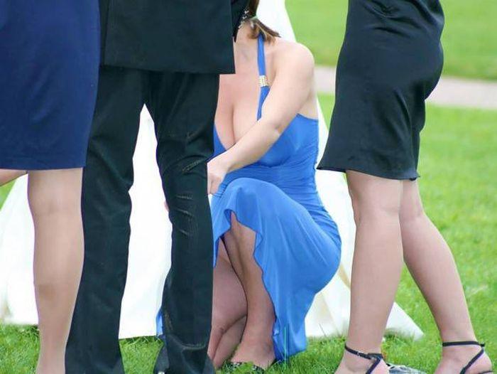 Подружки невесты затмили саму невесту (9 фото)