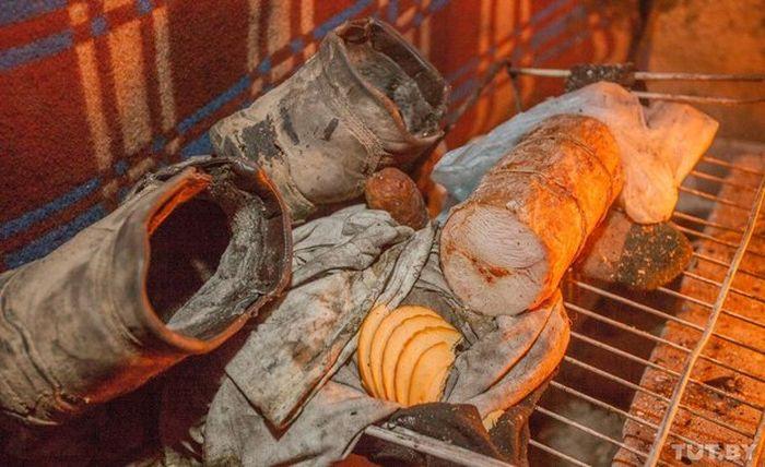 Как живут бомжи на городских свалках в зимнее время года (36 фото)