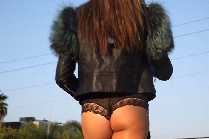18-летняя дочь Сильвестра Сталлоне Систин снялась в откровенном видеоролике (4 фото + видео)