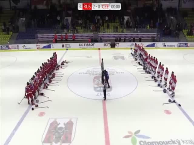 Российские хоккеистки заставили замолчать чешских болельщиков, освиставших гимн России
