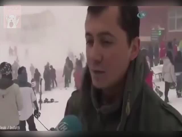 Менеджер горнолыжного курорта продолжил давать интервью, невзирая на лавину