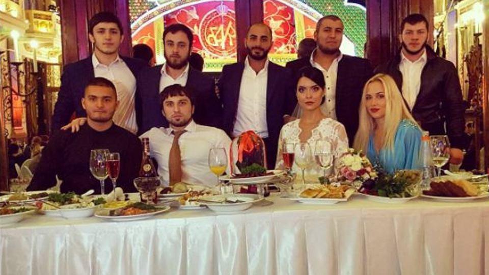 Роскошный кортеж на свадьбе сотрудника полиции
