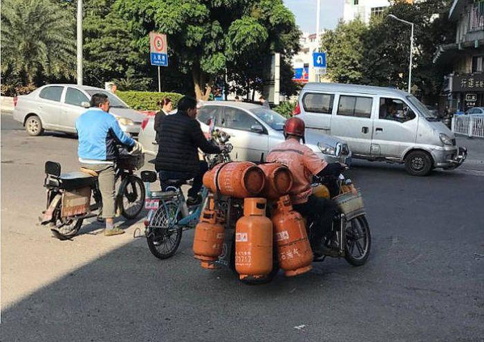 Чем опасны дороги Китая (25 фото)